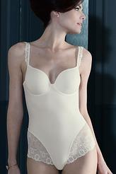 Contour-Body von Simone Perele