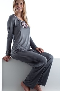 Abbildung zu Pyjama (80933) der Marke Gattina aus der Serie Bali