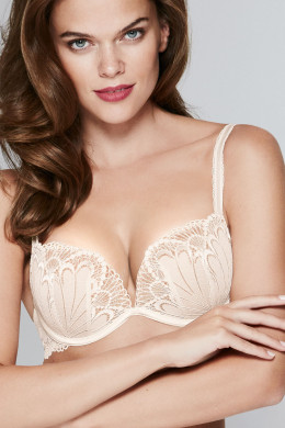 WonderbraFull Effect LaceRefined Glamour Full Effect Lace BH