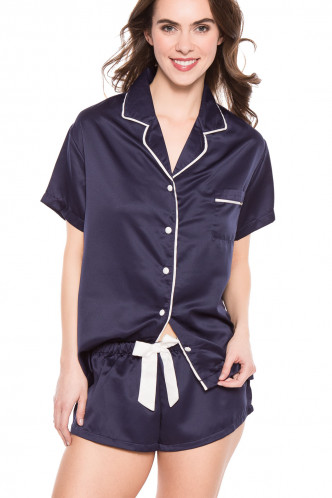 Abbildung zu Shirt and Short Set Claudia (36089) der Marke Bluebella aus der Serie Nightwear by Bluebella
