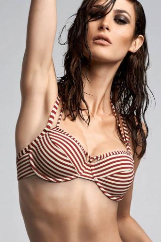 Abbildung zu Plunge Balconette Bikini-Oberteil (18180/01) der Marke Marlies Dekkers aus der Serie Holi Vintage red