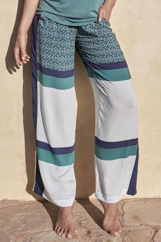 Abbildung zu Pants Extra Soft & Light (851082H) der Marke Jockey aus der Serie Easy Vibes Loungewear