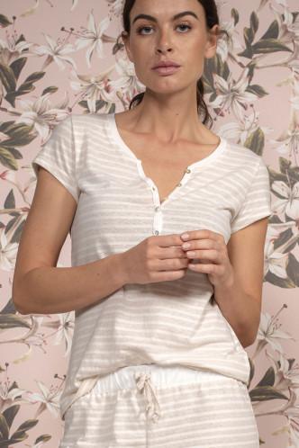 Abbildung zu Jimmies Stripe Top Short Sleeve (409526-306) der Marke ESSENZA aus der Serie Loungewear 2019