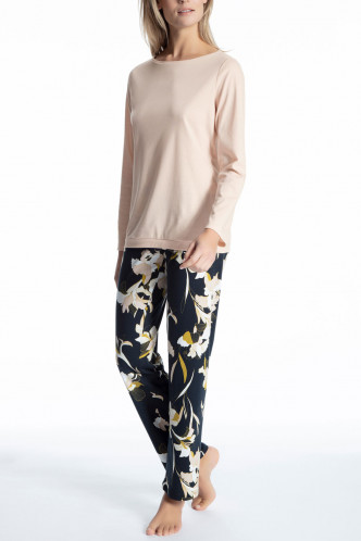 Abbildung zu Pyjama lang (45723) der Marke Calida aus der Serie Cosy Boho