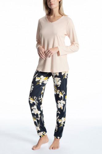 Abbildung zu Pyjama lang mit Bündchen (45923) der Marke Calida aus der Serie Cosy Boho