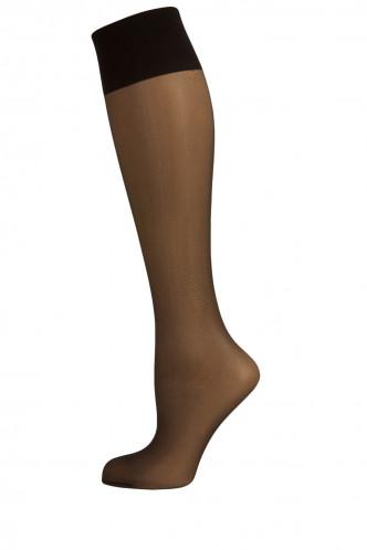 Abbildung zu Seidenmatt 20 Kniestrümpfe (902621) der Marke Elbeo aus der Serie Elegance