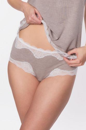 Abbildung zu Shorty, Spitzenkante (ENA0506) der Marke Antigel aus der Serie Simply Perfect Loungewear