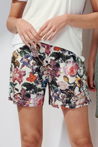 Abbildung zu Natalie Famke Trousers Short (401660-308) der Marke ESSENZA aus der Serie Loungewear 2021