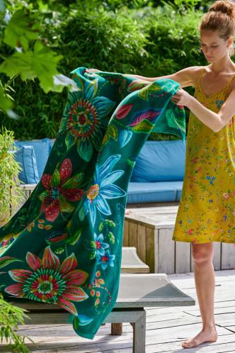 Abbildung zu Exoticana Beach Towel grün (217790) der Marke Pip Studio aus der Serie Accessoires