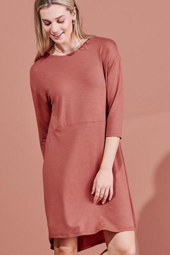 Abbildung zu Lykke Uni Nightdress 3/4 Sleeve (401591-348) der Marke ESSENZA aus der Serie Loungewear 2021-2