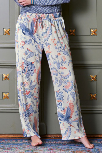 Abbildung zu Babbet Royal Birds Trousers Long (51500337-342) der Marke Pip Studio aus der Serie Loungewear 2021-2