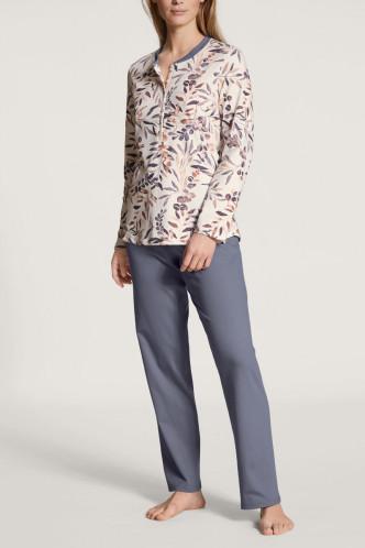 Abbildung zu Pyjama lang (46624) der Marke Calida aus der Serie Midnight Flowers